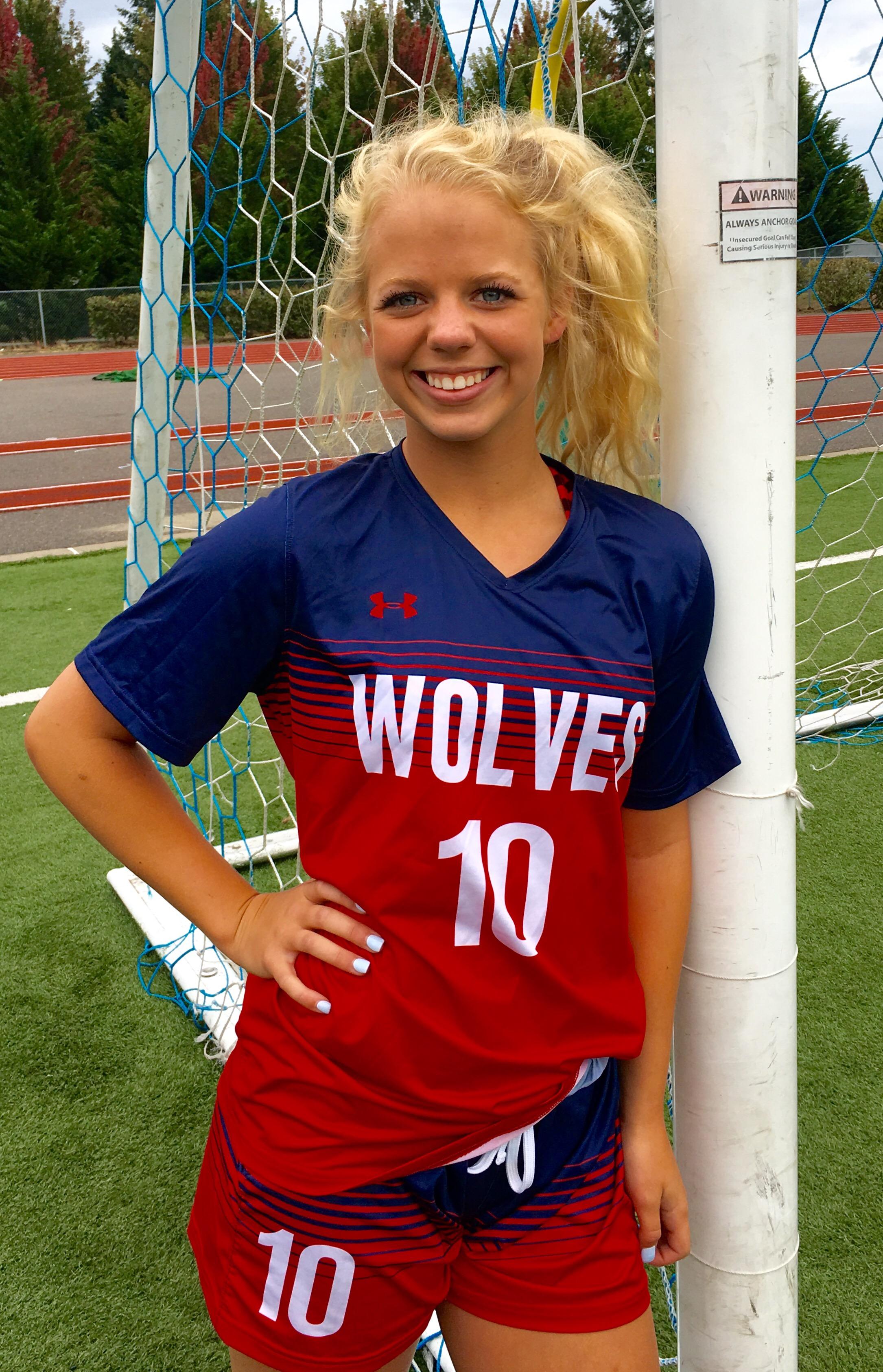 Sydney Lowe – Black Hills High School Women's Soccer Program